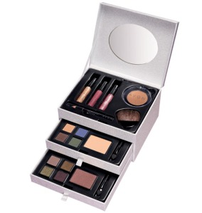 Avon Gilded Treasures Makeup Set $39.99