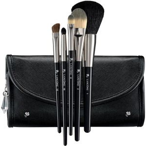 Lancôme's Essential Brush Set